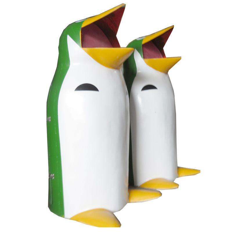 Thùng rác hình chim cánh cụt giá rẻ