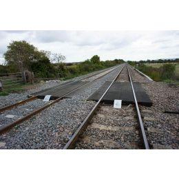 miếng lót dưới đường ray