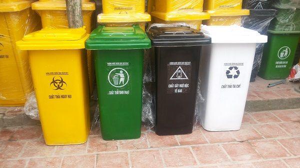 Màu thùng rác cần phải phù hợp với quy định của bộ y tế