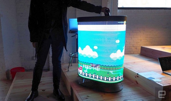 Thùng rác được tích hợp những trò chơi vui nhộn để khuyến khích mọi người vứt rác đúng nơi quy định