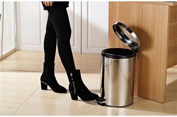 Thao tác cực kỳ đơn giản để mở thùng rác