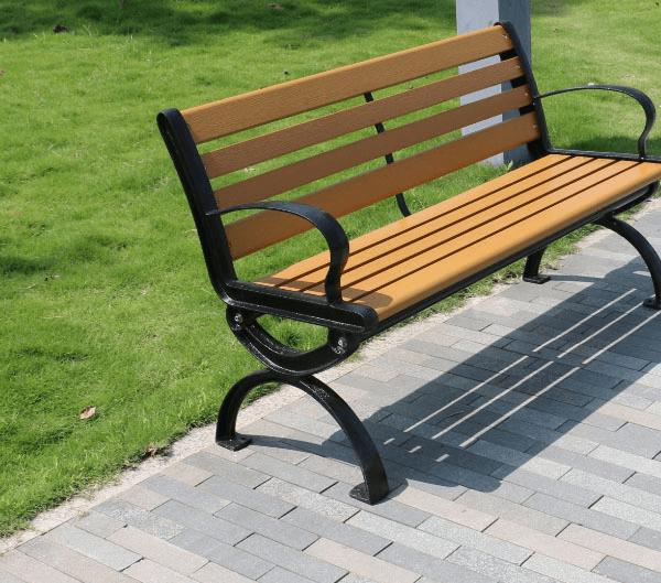 Ghế băng công viên bằng gỗ có tựa thiết kế gọn nhẹ, chắc chắn, phù hợp với nhiều không gian
