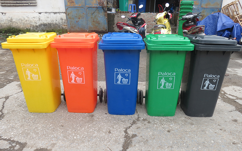 Thùng rác nhựa có nắp đậy
