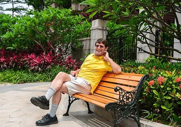 Ghế công viên gang đúc thích hợp cho mọi không gian sân vườn từ 3-5*