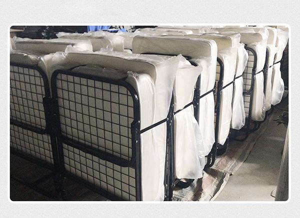Giường phụ khách sạn nệm mút dày 10cm có thể gấp gọn dễ dàng, tiết kiệm không gian bảo quản và tiện lợi khi vận chuyển