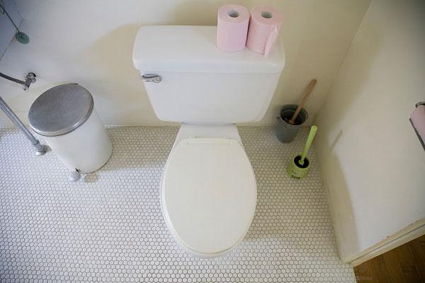 Thùng rác cho nhà vệ sinh