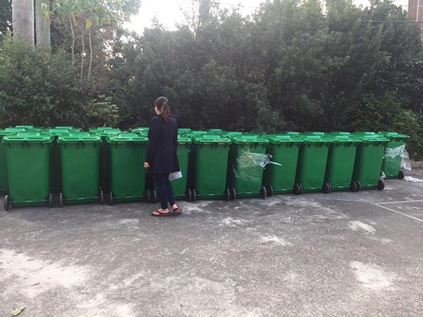 Thùng rác 240 lit nhựa HDPE