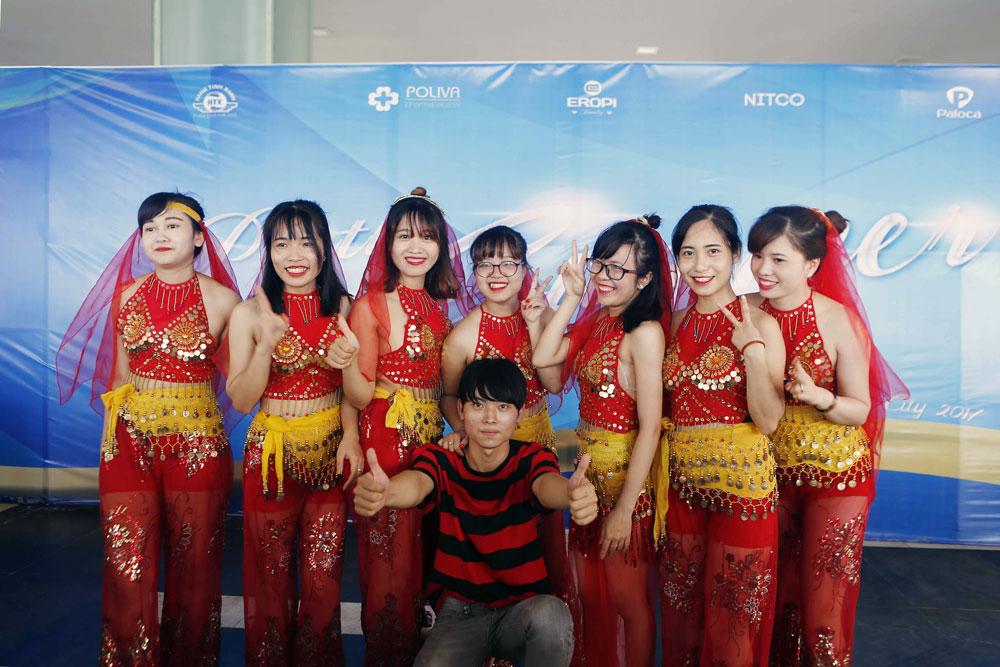 Nhân viên seo đi du lịch Đà Nẵng 2017