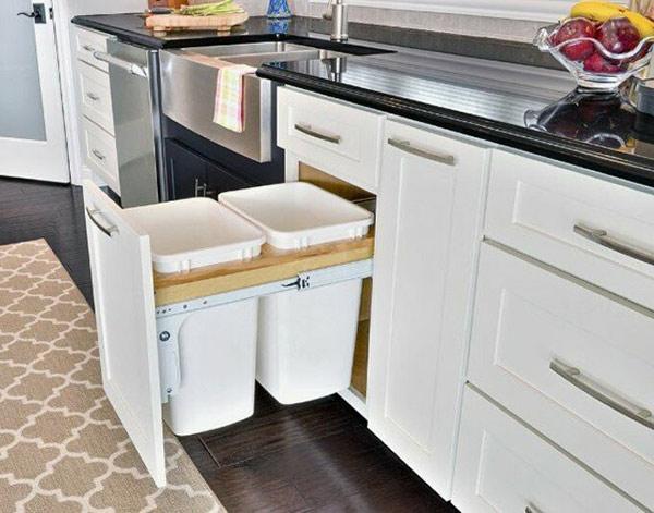 Thùng rác gắn cánh tủ bếp là gì, có tốt không?