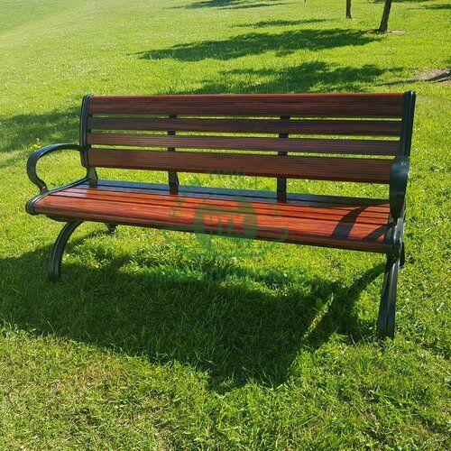 Ghế công viên bằng gỗ kiểu dáng đơn giản, thích hợp cho mọi không gian sân vườn ngoài trời