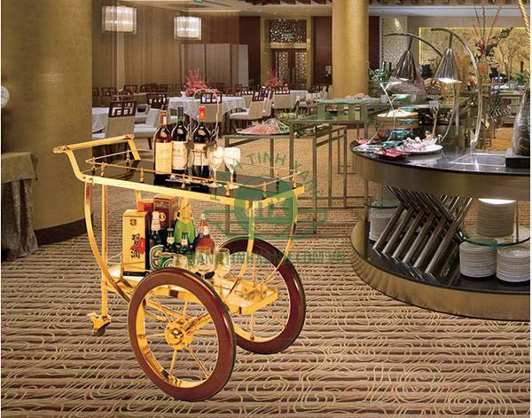Xe đẩy rượu trà dùng trong nhà hàng