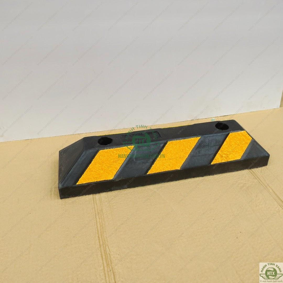 Cục chặn bánh xe cao su
